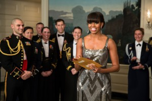 Michelle_Obama_announces_the_Best_Picture_Oscar_to_Argo